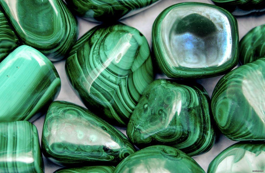 камень малахит
