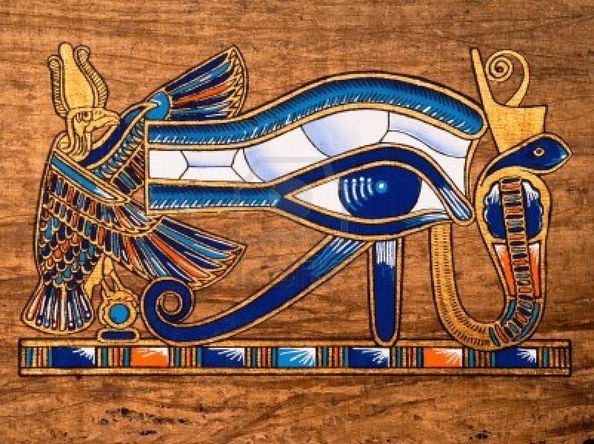 Египетский амулет глаз Гора