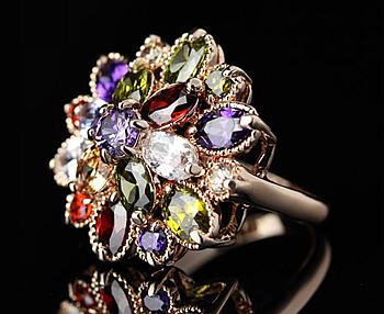 кольцо с хризантемой